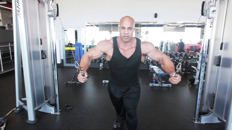 Мастер класс виктора мартинеса тренировка плеч