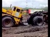 Трактор К-700 переломился полный пипец!!! Жесть)))