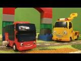 Новый гараж для автобуса Тайо и его друзей. Строим цветной гараж с Тото и Сито