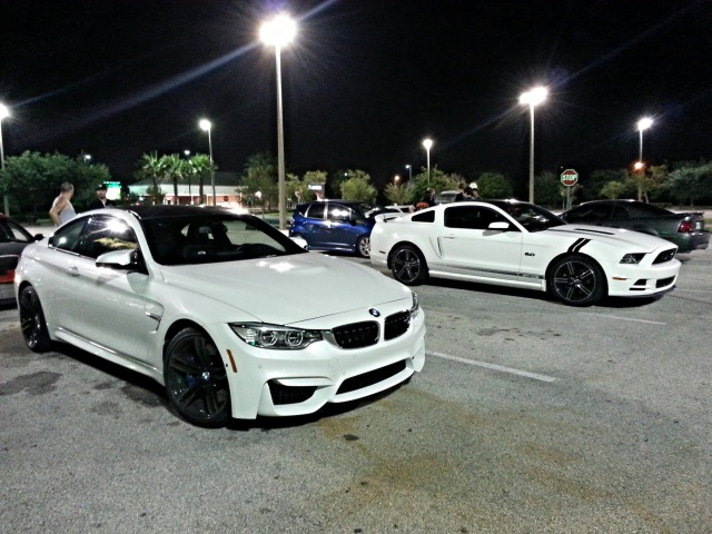 BMW M4 vs Mustang 5 0 vs SRT4