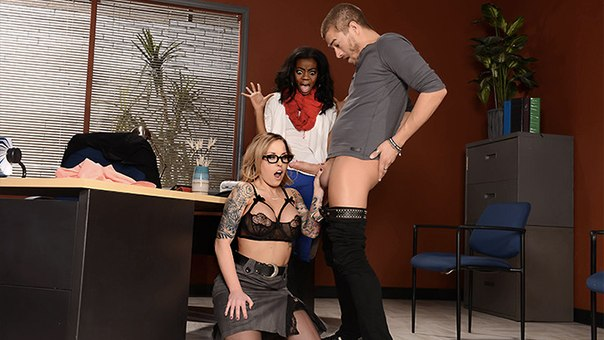 Brazzers – Teacher Knows Breast – Payton West