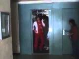 Угар в лифте смешное видео про лифт