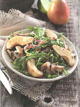 Фото рецепта: Салат из груш с шампиньонами