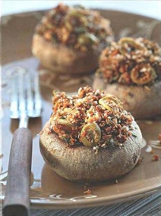 Фото рецепта: Шампиньоны с черемулой