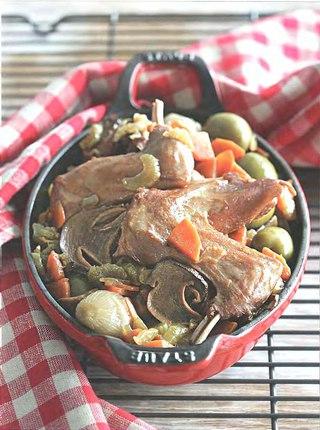 Фото рецепта: Рагу из кролика с грибами