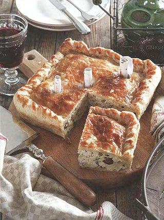 Фото рецепта: Пирог с курицей и грибами