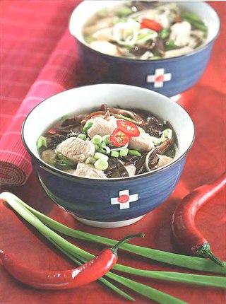 Фото рецепта: Китайский суп с грибами и вермишелью