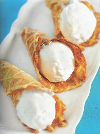 Фото рецепта: Вафли с кедровыми орехами и медовым ароматом