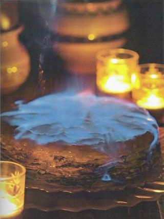 Фото рецепта: Маковый блинчатый пирог с шоколадным соусом