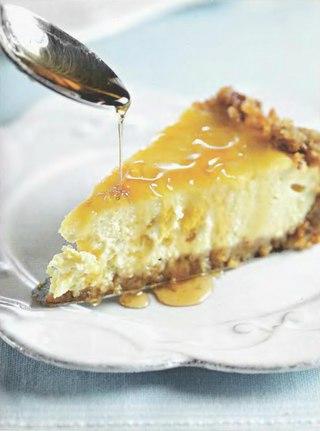 Фото рецепта: Карамельный торт с творогом из топленого молока