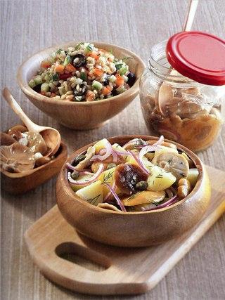 Фото рецепта: Два вкусных вегетарианских салата