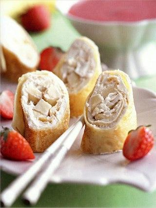 Фото рецепта: Десертные роллы из блинчиков