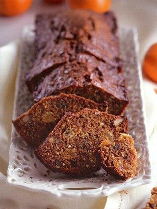 Фото рецепта: Морковный кекс с курагой и орехами