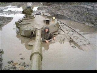 Tank Stuck In Mud. Танки грязи не боятся?..