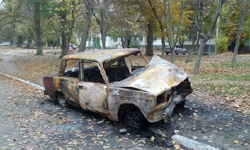 В Армянске сгорел автомобиль ВАЗ-2107