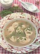 Фото рецепта: Юшка с ушками, начиненными грибами