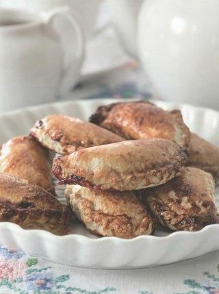 Фото рецепта: Мандрики со сливами