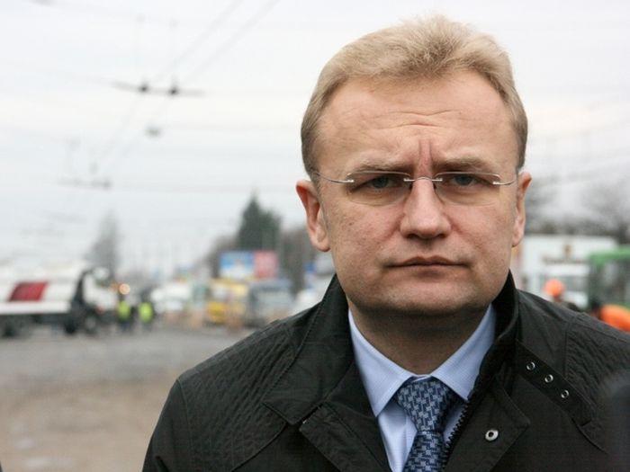 Прокурори допитають Садового, аби з`ясувати, хто «купляє» голоси нардепів