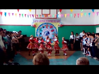 Моя узбечка танцует!!! )))