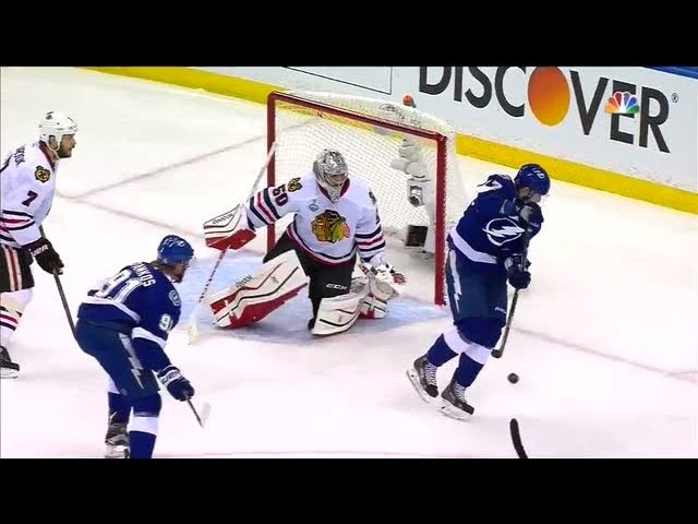 Killorn bats puck out of mid-air on backhand