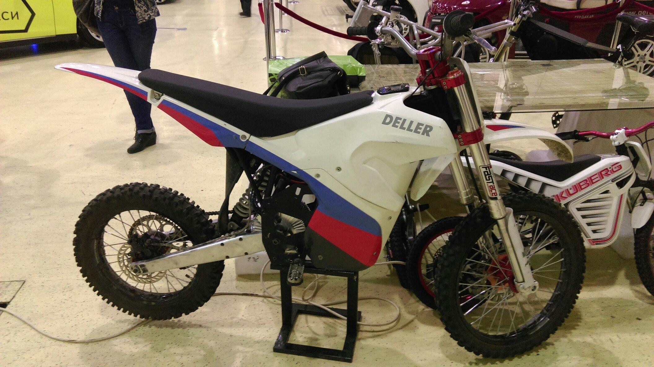 Российский электромотоцикл DelleR
