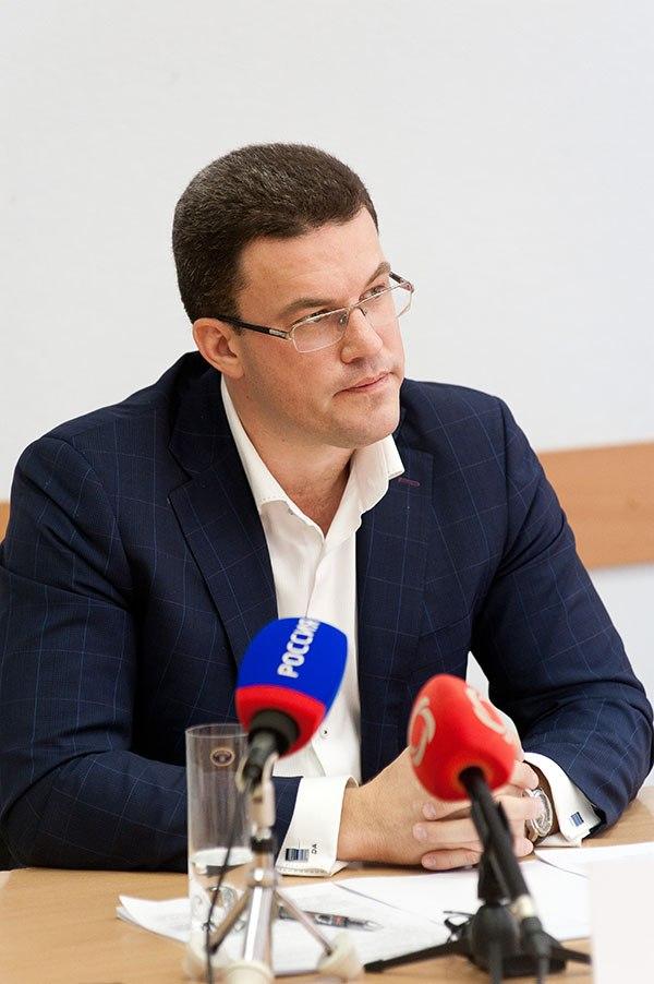 Денис Агашин