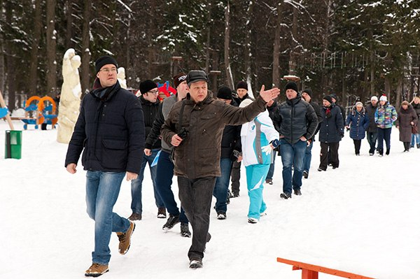 Денис Агашин с жителями