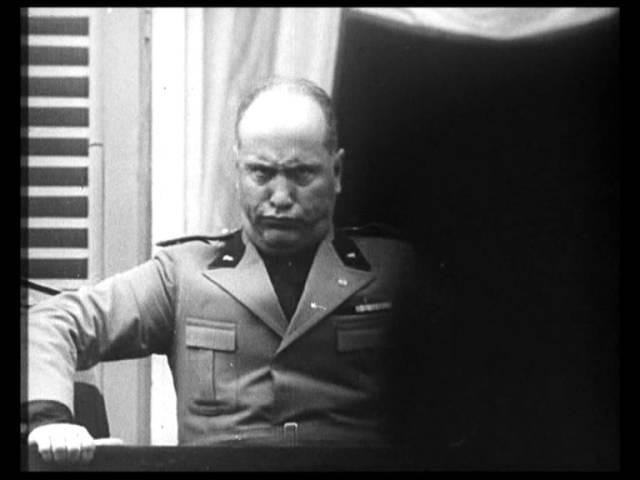 Муссолини корчит рожи / Silly face of Benito Mussolini