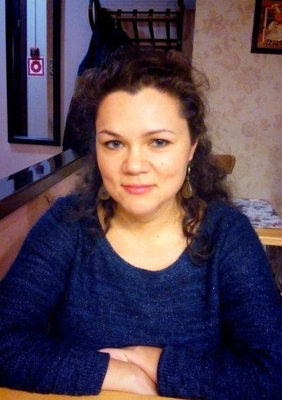 Лиза Захарова