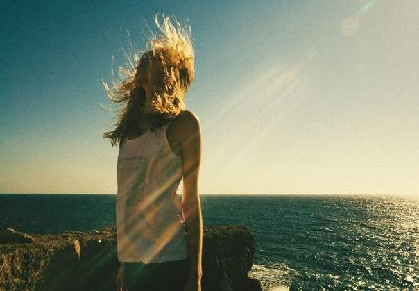Я уеду, далеко. И забуду всё на свете.