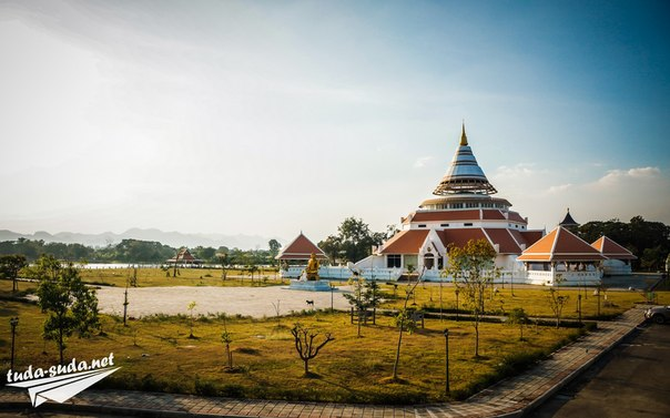 Канчанабури храм