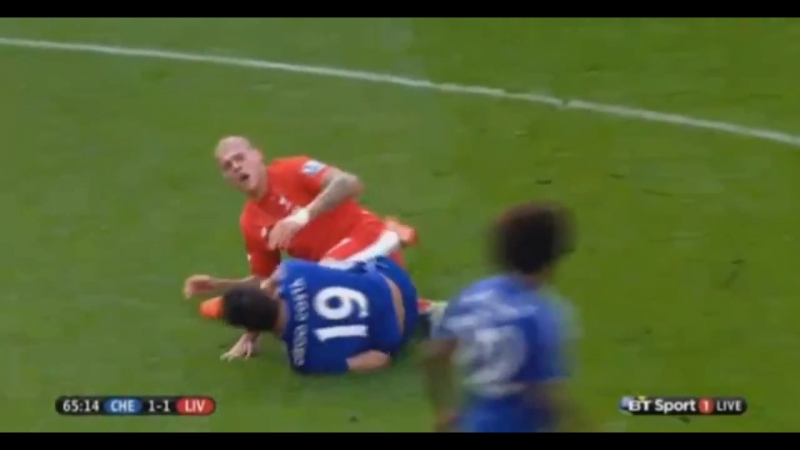 Costa vs skrtel Fight again, DIego Costa kicks on Martin Skrtels Belly ! Chelsea FC - Liverpool FC