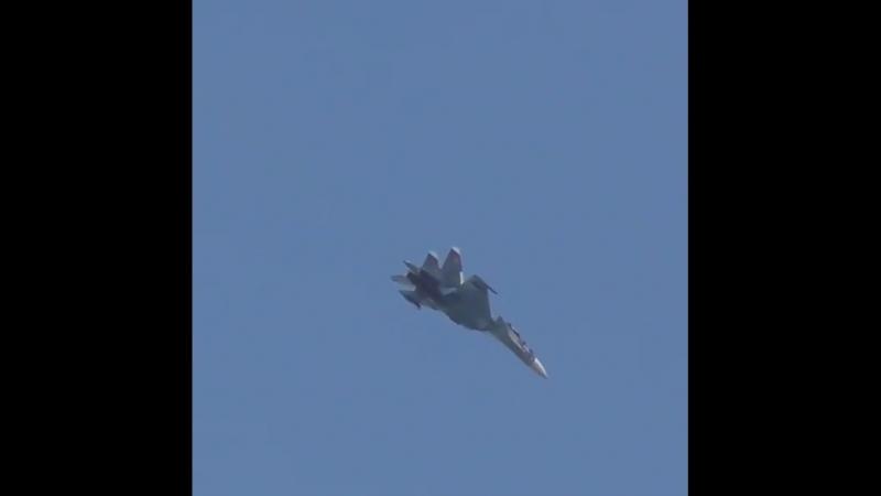 Сольный пилотаж Сокола России на авиашоу в честь 100-летия липецкой авиаций