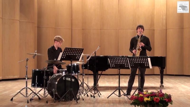А.Пикунов Паркур этюд для саксофона с ударными исполняет автор. Партия ударных Илья Кучер