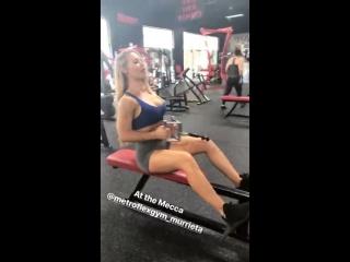 Николь энистон в спортзале #13