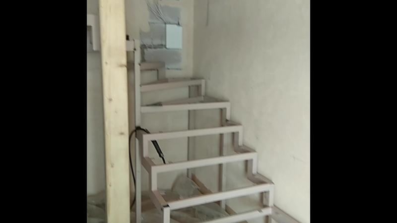 Лестница на металлокаркасе Мир Металла 76
