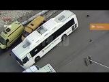 Видео наезда автобуса НеФАЗ на 13-летнюю девочку в Уфе 27.01.2018Г.
