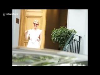 Kylie Minogue Leaves Abbey Road Studios (23.07.2018)