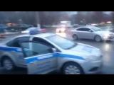 Месть за обращение. Полицейский чуть не задушил пешехода. 15.11.2017