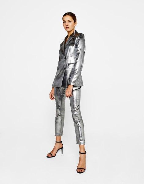 Укороченные брюки из серебристой ткани