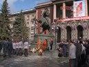 Евгений Куйвашев принял участие в возложении цветов к памятнику маршалу Георгию Жукову
