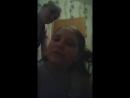 Лера далает косички