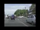 В Саратове Skoda протаранила Mercedes и вылетела на пешеходный переход