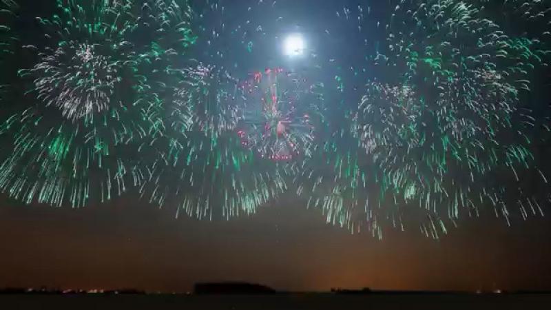 Новогодний фейерверк в приграничном городе Хейхе. Вид с российского берега 2018