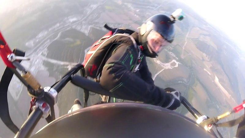 Первый прыжок с паратрайка :D