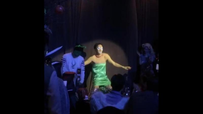 Вечеринка по случаю Хэллоуина в SM TOWN.... КИБОМ ОТЖИГАЕТ ХД