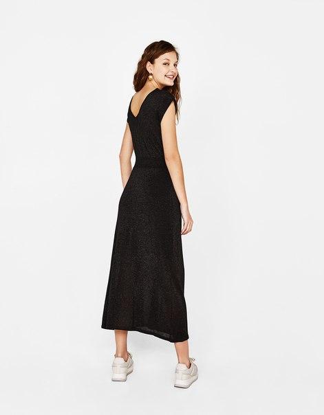 Длинное платье с металлизированной нитью