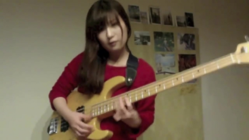 Девчонка 13-14 лет - слэп, бас гитара - (Enôrme TV Metal)