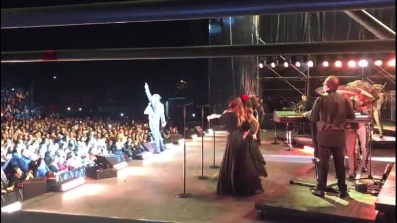 Qué manera de cantar Morelia!! Gcs por su amor y cariño. Espero verlos pronto ✌