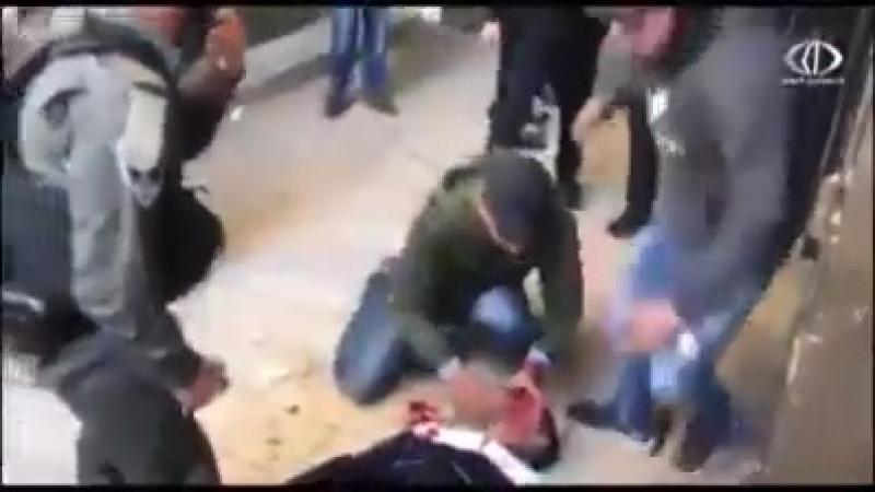 Les hommes de la sécurité palestinienne de l'AP protègent les soldats israéliens quand ils sont entrés par erreur dans Djénine L